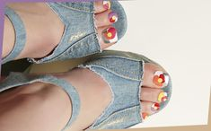 デニムに合うネイルデザインは POPな花モチーフで指先をモダンに Beauty Nails, Birkenstock, Fashion News, Shoes, Women, Nail, Zapatos, Shoes Outlet, Shoe