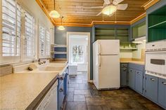 This is the Evelyn Place Single Family Small Home located in Asheville, North Carolina that's for sale. The house is far from tiny with it's two bedrooms and nearly 950 sq. ft. of livin…