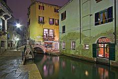 """""""Le Fantastiche Città d'Italia""""  -   Venezia - Regione Veneto - Italia -  Se volete assaporare il gusto vero della vita, venite a visitare l'Italia.  -  #assaggialitalia  -  Google+"""