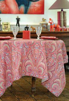 """Nappe enduite """"Cachemire"""" grenadine par Valdrôme.  Coated tablecloth """"Cachemire"""" grenadine by Valdrôme"""