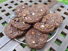 Tosi suklaiset Marianne-suklaahippukeksit/ Very Chocolaty Marianne Chocolate Chip Cookies Chocolate Chip Cookies, Chips, Baking, Desserts, Food, Chocolate Pudding Cookies, Deserts, Potato Chip, Bakken