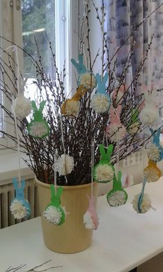 Alkuopettajat FB -sivustosta / Niina Pitkänen Textiles, Easter Baskets, Easter Crafts, Art For Kids, Glass Vase, Planter Pots, Bunny, Jar, Spring