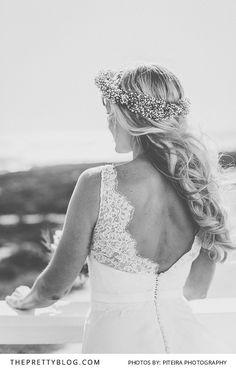 Intricately Lace Sleeved Wedding Gown | Photography by Piteira Photography | Wedding Dress by White Lilly Bridal