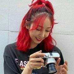 Red Aesthetic, Kpop Aesthetic, Kpop Girl Groups, Kpop Girls, Sinb Gfriend, Kpop Hair, Hair Icon, Brave Girl, Doja Cat