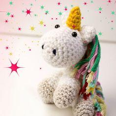 So you can easily crochet a cute DIY unicorn yourself Rainbow power! So you can easily crochet a cute DIY unicorn yourself Knitting Projects, Knitting Patterns, Crochet Patterns, Crochet Borders, Knitting For Beginners, Easy Knitting, Start Knitting, Amazing Animals, Crochet Unicorn