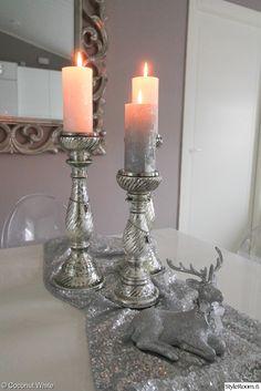 joulu,inspiroiva joulukoti,asetelma,kynttilät,hopea,joulukoristeet