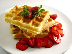 Breakfast And Brunch, Classic Waffles, Simple Waffles Made With Flour, Egg, Butter And Sugar. Breakfast And Brunch, Breakfast Items, Breakfast Recipes, Perfect Breakfast, Waffle Day, Waffle Iron, Waffle Waffle, Classic Waffle Recipe, Gluten Free Waffles