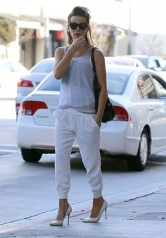 Kate Beckinsale Street Style - Brentwood, March 2014 - CelebMafia