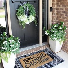 45 Rustic Farmhouse Front Porch Decorating Ideas – Best Home Decorating Ideas - Page 40 Front Door Porch, Front Door Decor, Front Porch Plants, Country Front Door, Front Door Colors, Front Porch Decorations, Front Porch Garden, Summer Front Porches, Front Door Entryway
