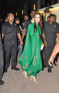 Fashion: Aishwarya Rai in Anarkali Suits 2013