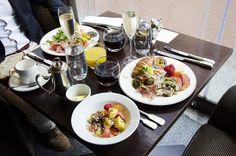 pientä luksusta arjen keskelle – brasserie kämpin sunnuntaibrunssilla - Love Da Helsinki | Lily.fi #morning  #breakfast #brunch