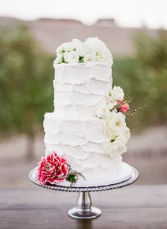 Photography : Jesse Leake | Cake : Crisp Bakeshop Read More on SMP: http://www.stylemepretty.com/2016/09/29/chic-wine-country-wedding-with-pops-of-pink/