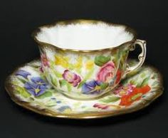 ♥•✿•♥•✿ڿڰۣ•♥•✿•♥  Tea cup. Don't know the maker, but know the style is vintage  ♥•✿•♥•✿ڿڰۣ•♥•✿•♥