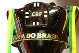 src=Xhttp://s2.glbimg.com/kGF3LxLQH7-nezy6316J41y8Sbk=/160x108/smart/s.glbimg.com/es/ge/f/original/2014/12/16/sorteio-copadobrasil-rafaelribeiro-cbf4.jpg> [ɢᴇ]http://glo.bo/2f8btu6 - Final da Copa do Brasil: primeiro jogo será em BH a volta em Porto Alegre