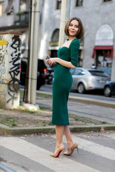 Must-See Street Style From Milan Fashion Week Fall 2015 - emerald green midi dress + patent leather nude stilettos