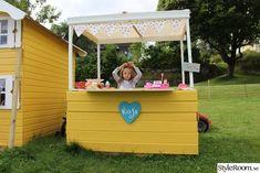 Vårt badrum - Hemma hos TinySt Kiosk, Picnic Table Bench, Toy Chest, Storage Chest, Pergola, Granada, Patio, Diy, Inspiration