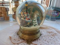 Vintage Christmas Snow Globe Music Box, 1988 Franklin Mint Snow Globe, Victorian Styling