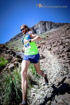 Timothy Olson running in the Canary Islands at Transgrancanaria 125K. Photo Jordi Saragossa: http://www.saragossa.cat/.