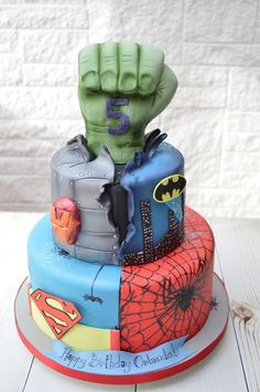 #Superman, #Spiderman,#Ironman and #Batman all feature on this #birthdaycake and of course the #Hulk!