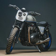 Ever since we first laid our sweaty little hands on Triumph's new Bonneville range, we've been itching to see what customisers would do with them. Xt 600 Scrambler, Scrambler Custom, Triumph Motorcycles, Custom Motorcycles, Custom Bikes, Tracker Motorcycle, Scrambler Motorcycle, Motorcycle Paint, Motorcycle Design