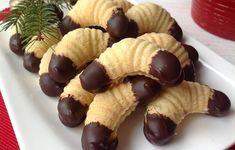 A legjobb linzer Czech Recipes, My Recipes, Sweet Recipes, Baking Recipes, Cookie Recipes, German Christmas Cookies, Christmas Sweets, Christmas Baking, Hungarian Recipes