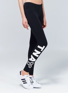 TNA EQUATOR LEGGING - Perfect fabric and fit, finished off with a graphic, sporty logo