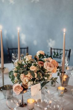 An international couple chose to have their destination wedding at a castle in South Tyrol, Italy, and they picked right! Elegance, romance, and organ. Romantic Wedding Decor, Luxury Wedding, Unique Weddings, Destination Wedding, Wedding Music, Rose Wedding, Wedding Flowers, Floral Centerpieces, Wedding Centerpieces