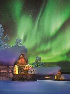 Igloo Village Kakslauttanen : découvrez cet hébergement insolite en Finlande (photos, description, infos pratiques, ...) ainsi que d'autres hébergements tout aussi étonnants les uns que les autres.