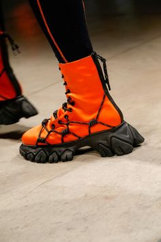 Angel Chen Ready To Wear Fall Winter 2019 Milan Futuristic Shoes, Angel Chen, Funny Shoes, Fashion Boots, Mens Fashion, Weird Fashion, Character Outfits, Casual Boots, Crazy Shoes