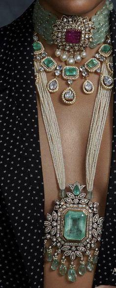 Amrapali Jewellery, Indian Jewelry Earrings, Indian Wedding Jewelry, Emerald Jewelry, Tribal Jewelry, Gemstone Jewelry, Diamond Jewelry, Jewelery, Trendy Jewelry