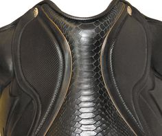 Sommer Spezial Dressage Saddle. Spectacular leather. Wow!