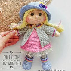 Amigurumi Tini Mini Girl Bau-Kostenlose Muster Tini Mini Dolls - Tiny Mini D . Crochet Dolls Free Patterns, Crochet Doll Pattern, Doll Patterns, Tutorial Amigurumi, Doll Tutorial, Mini Amigurumi, Amigurumi Doll, Candy Costumes, Lalaloopsy