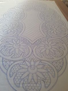 Cutwork Embroidery, Embroidery Stitches, Embroidery Designs, Rug Hooking Patterns, Quilt Patterns, Romanian Lace, Machine Quilting Patterns, Flower Sketches, Point Lace