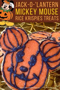 If you can't get to the Disney Parks for Halloween, then you can make these awesome Mickey Mouse Pumpkin Rice Krispies Treats at home with this step-by-step recipe! They're not as hard to make as you think, and they're a must-eat snack for Disney fans everywhere! #DisneyRecipes #ThePurplePumpkinBlog Disney's Halloween Treat, Halloween Cakes, Disney Food, Disney Parks, Pumpkin Rice Krispie Treats, Disney Themed Cakes, Mickey Mouse Pumpkin, Purple Pumpkin, Orange Candy