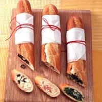 Three types of filled baguettes Three types of filled baguettes – BRIGITTE Brunch Buffet, Party Buffet, Toast Sandwich, Snacks Für Party, Appetizer Dips, Fun Drinks, Finger Foods, Breakfast Recipes, Food And Drink