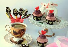 Романтические конфеты и корзиночки с ягодным кремом http://www.kakprosto.ru/kak-872017-romanticheskie-konfety-i-korzinochki-s-yagodnym-kremom