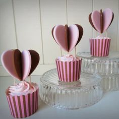Cake Decorating - How To Make 'Heart Air Balloon' cupcakes