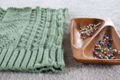 sweater-cowl-pin-sides