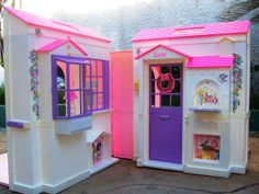 the foldable barbie house OMG this was my whole life