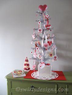 Swirly Designs by Lianne & Paul: How-to: Heart Tree Topper