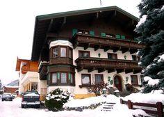 Apartamente Haussteiner in Dorfgastein Regiune de ski #Amadé (Salzburger Sportwelt, Schladming-Dachstein, #Gastein, Hochkönig, Großarl) Regiunea de ski  #Dorfgastein - Großarl: 850 -    2003 m altitudine, 4 teleschiuri, 8 telescaune și 5 telecabine 80 km de pârtii de schi: 26 km easy, 11 km mediu, 43 km dificil ,Snowpark,  școli de schi, inchirieri schi și snowboard, gradinita scoala de ski, catering. Dorfgastein: 812 m deasupra nivelului mării, 1 650 de locuitori, #Hofgastein,