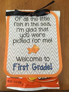 Back to School gift tag for students Also, here is a link to a fun back to school fish related craft: www.teacherspayte...