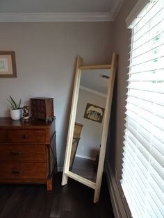 How To Make Your Own (Affordable) Floor Mirror No need to drop hundreds of dollars on a fancy floor Rustic Furniture, Diy Furniture, Furniture Stores, Diy Mirror, Mirror Ideas, How To Frame Mirror, Diy Frame, Wall Ideas, Diy Casa