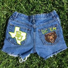 Custom-painted Baylor jean shorts // So adorable! There's an endless number of Baylor events these would be excellent for.