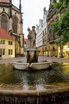 Münster, Germany ||| Bilder Foto Agentur Münster - FOTOSUCHEN.COM - Bildagentur Bilderdatenbank Fotos Münster - Professionelle Fotos aus Münster, Bilderdatenbank und weltweite Auftragsfotografie - FOTOSUCHEN.COM