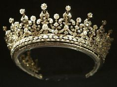 promenadedessanglais:  The Girls of Great Britain and Ireland Tiara