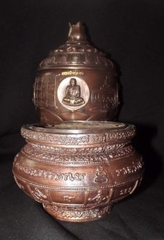 Chud Khan Nam Montr + Grathaang Toop (Holy Prayer Water Bowl + Incense Bowl) - Luang Por Prohm - Wat Ban Suan 2553 BE - Only 30 Made, $599.00 - |  View Here  |  http://www.thailand-amulets.net/?page_id=41#ecwid:category=967279=product=13447399