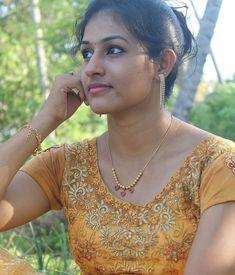 10 Most Beautiful Women, Beautiful Girl In India, Beautiful Beautiful, Cute Beauty, Beauty Full Girl, Real Beauty, Indian Girl Bikini, Indian Girls, Indian Wife