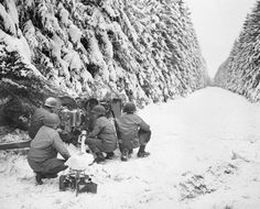 ARDENNES OFFENSIVE 16 DECEMBER 1944 - 28 JANUARY 1945 (EA 50487)   The Allied Counter Attack 25 December 1944 - 28 January 1945: Soldiers of the 83rd Infantry Division man an anti-tank gun near Revigny, midway between Houffalize and St Vith.