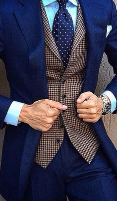 Kill it with navy blue. #menstyle #fashion #suit